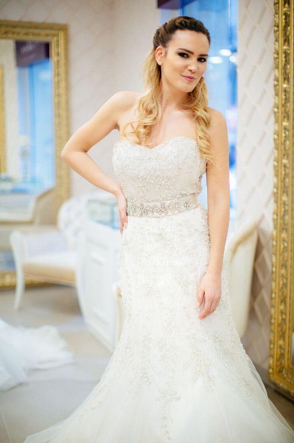 zgodne mlade naše poznate dame u venčanicama foto poznati glossy